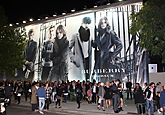 S/S 2010 BURBERRY PRORSUM PARTY CLOSES LONDON FASHION WEEK