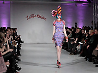 ZANDRA RHODES - PARIS F/W 2012 FASHION SHOW BACKSTAGE AND INTERVIEW