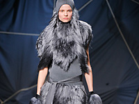 GARETH PUGH - PARIS F/W 2012 FASHION SHOW
