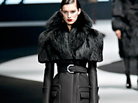 VICTOR & ROLF - PARIS F/W 2012 FASHION SHOW